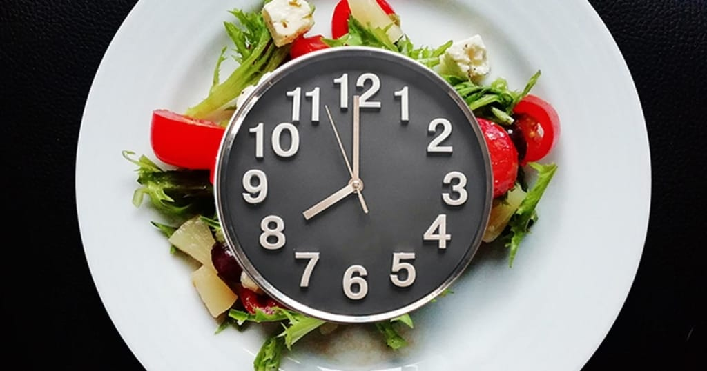 Intermittent-Fasting-Salad-Clock-Face-Image